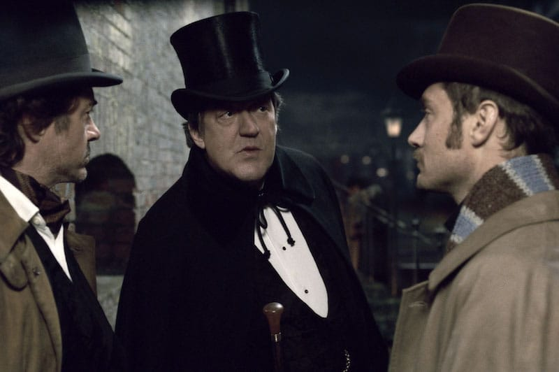 Sherlock Speaks with Mycroft and Watson